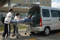 高齢者・障害者に対する移送サービスのためのストレッチャー付車両を整備しました!