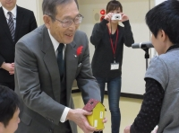 秋田県知的障害者福祉協会の皆さんから今年も「NHK歳末たすけあい」に募金をいただきました!